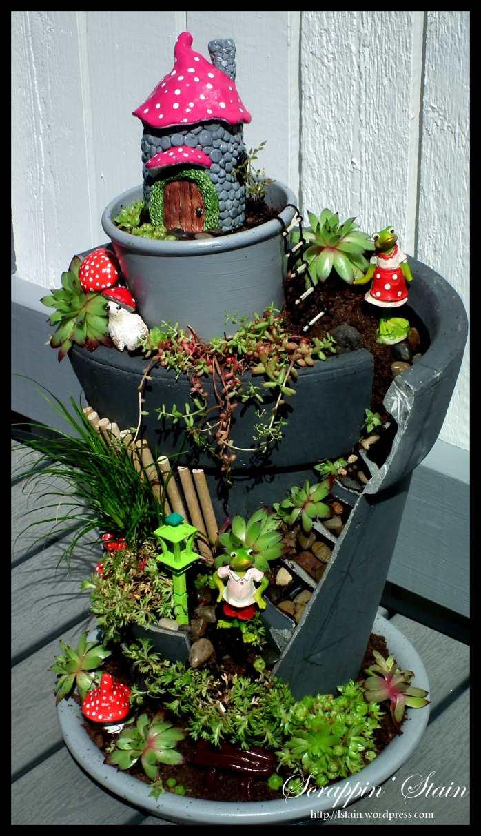 Broken Flowerpot - Frog Garden 3