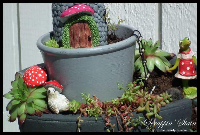 Broken Flowerpot - Frog Garden 4
