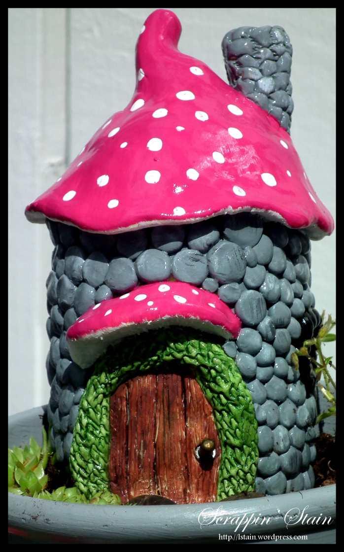 Broken Flowerpot - Frog Garden 7